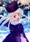 1girl :d bob_(biyonbiyon) coat fate/stay_night fate_(series) floating_hair forest hat highres illyasviel_von_einzbern long_hair looking_at_viewer looking_back nature open_mouth outdoors purple_coat purple_hat red_eyes scarf silver_hair smile snow solo steam white_scarf winter_clothes winter_coat