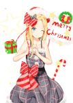 1girl ;) abigail_williams_(fate/grand_order) bangs bare_arms bare_shoulders bell black_bow black_dress blonde_hair blue_eyes blush bow box candy candy_cane christmas christmas_wreath closed_mouth collarbone commentary_request diagonal_stripes dress eyebrows_visible_through_hair fate/grand_order fate_(series) food forehead fur-trimmed_dress fur-trimmed_hat fur_trim gift gift_box hair_bow hat long_hair one_eye_closed parted_bangs plaid plaid_dress polka_dot polka_dot_bow red_bow red_hat santa_hat sleeveless sleeveless_dress smile solo star striped striped_bow white_background yukaa