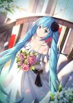 1girl bangs bare_shoulders black_flower black_rose blue_eyes blue_hair blurry blurry_background blush bouquet bow breasts brown_bow cleavage closed_mouth collarbone commentary_request depth_of_field dress eyebrows_visible_through_hair flower hair_between_eyes hair_flower hair_ornament hatsune_miku highres holding holding_bouquet long_hair medium_breasts mobu_(wddtfy61) off-shoulder_dress off_shoulder pink_flower pink_rose railing rose smile solo twintails very_long_hair vocaloid white_dress white_flower