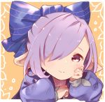 1girl bangs blue_bow blue_ribbon blush bow closed_mouth granblue_fantasy hair_bow hair_over_one_eye hair_ribbon hand_on_own_cheek harvin long_sleeves looking_at_viewer nio_(granblue_fantasy) orange_background pointy_ears purple_hair ribbon simple_background smile solo tadano_omake upper_body violet_eyes