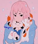 1girl artist_name bangs black_eyes blue_jacket cat highres hood hooded_jacket jacket long_hair meyoco mittens no_nose original paw_mittens pink_background pink_hair scarf simple_background solo upper_body