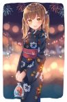 1girl animal_ears animare bag bangs black_ribbon blue_kimono blurry blurry_background blush brown_hair commentary eyebrows_visible_through_hair festival fireworks floral_print hair_between_eyes hair_ribbon holding holding_bag inaba_haneru_(animare) japanese_clothes kawami_nami kimono long_hair long_sleeves looking_at_viewer night obi open_mouth outdoors pom_pom_(clothes) rabbit_ears ribbon sash shrimp smile solo virtual_youtuber yellow_eyes yukata