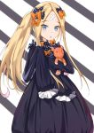 1girl abigail_williams_(fate/grand_order) absurdres alternate_hairstyle bangs black_bow blonde_hair blue_eyes bow commentary_request eyebrows_visible_through_hair fate/grand_order fate_(series) hair_bow hair_ornament highres long_hair looking_at_viewer object_hug orange_bow parted_bangs parted_lips polka_dot polka_dot_bow sleeves_past_fingers sleeves_past_wrists solo stuffed_animal stuffed_toy teddy_bear tming very_long_hair