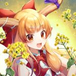 1girl :d bangs bare_shoulders blonde_hair bow bowtie commentary_request eyebrows_visible_through_hair fang flower gradient gradient_background hair_bow highres horn_ribbon horns ibuki_suika leaf long_hair looking_at_viewer momoshiki_tsubaki oni oni_horns open_mouth orange_eyes petals purple_ribbon red_bow red_neckwear ribbon shirt sidelocks sleeveless sleeveless_shirt smile solo touhou upper_body white_background white_shirt yellow_background yellow_flower