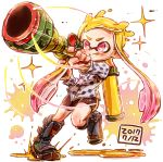 1girl :q black_footwear black_shorts blue_shorts boots commentary dated diffraction_spikes foreshortening gradient_hair harutarou_(orion_3boshi) highres holding holding_weapon ink_tank_(splatoon) inkling inkzooka_(splatoon) knee_boots light_blush motion_lines multicolored_hair pink_eyes pink_hair print_shirt running scope shirt shorts single_vertical_stripe solo sparkle splatoon splatoon_(series) splatoon_1 standing tongue tongue_out v-shaped_eyebrows weapon yellow_headwear