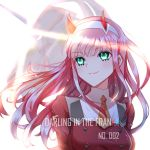 1girl character_name copyright_name darling_in_the_franxx eyebrows_visible_through_hair floating_hair green_eyes hairband horns jacket lixiao_lang long_hair necktie pink_hair red_jacket short_necktie smile solo upper_body white_hairband yellow_neckwear zero_two_(darling_in_the_franxx)