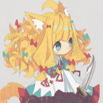 1girl ahoge animal_ear_fluff animal_ears bangs blonde_hair blue_eyes bow brown_gloves capelet closed_mouth collared_shirt copyright_request elbow_gloves eyebrows_visible_through_hair frilled_capelet frills gloves green_bow grey_background hair_bow highres holding holding_knife knife long_hair looking_away naruka_ruka red_bow red_ribbon ribbon shirt simple_background solo tail tail_raised upper_body white_capelet white_shirt