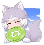1girl :3 ^3^ ^_^ animal_ears closed_eyes closed_mouth dog_(mixed_breed)_(kemono_friends) dog_ears dog_tail eyebrows_visible_through_hair facing_viewer frisbee gloves grey_hair japari_symbol kemono_friends mouth_hold multicolored_hair nyifu short_hair smile solo tail translated white_gloves white_hair