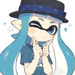 1girl bangs black_headwear blue_eyes blue_hair blunt_bangs blush_stickers commentary domino_mask gomi_(kaiwaresan44) green_shirt hat hat_ribbon head_tilt highres inkling long_hair looking_at_viewer mask one_eye_closed pointy_ears print_shirt puckered_lips ribbon shirt simple_background solo splatoon_(series) splatoon_1 star t-shirt tentacle_hair upper_body white_background