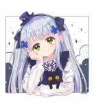 1girl animal apron arm_support bangs black_apron black_bow black_cat black_hairband blue_hair blush bow cat character_name checkered checkered_bow closed_mouth commentary eyebrows_visible_through_hair foreign_blue girls_frontline green_eyes hair_bow hair_ornament hairband hat head_in_hand head_tilt highres hk416_(girls_frontline) long_hair long_sleeves mini_hat polka_dot purple_headwear shirt slit_pupils smile solo sparkle two_side_up white_background white_shirt yellow_eyes