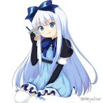 1girl :q bangs black_capelet black_gloves blue_bow blue_dress blue_eyes blue_hair bow bubble_tea capelet closed_mouth commentary_request copyright_request cup disposable_cup dress drinking_straw elbow_gloves eyebrows_visible_through_hair fur-trimmed_gloves fur_trim gloves hair_between_eyes hair_bow head_tilt holding holding_cup long_hair miicha ribbon-trimmed_legwear ribbon_trim simple_background sitting smile solo thigh-highs tongue tongue_out twitter_username very_long_hair wariza white_background white_legwear
