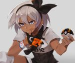 1girl abs black_bodysuit blue_eyes bodysuit bow closed_mouth crop_top dark_skin gloves grey_background grey_hair hairband kamu_(kamuuei) knee_pads kneeling poke_ball pokemon pokemon_(game) pokemon_swsh saitou_(pokemon) scrape short_hair short_sleeves shorts simple_background solo ultra_ball wristband