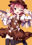 1girl ;d arms_up bird_wings black_footwear black_legwear blush bow bowtie brown_dress brown_headwear dress eyebrows_visible_through_hair feathered_wings hair_between_eyes hat highres juliet_sleeves leg_lift long_sleeves looking_at_viewer mary_janes mystia_lorelei one_eye_closed open_hand open_mouth orange_background pinafore_dress pink_hair puffy_sleeves ruu_(tksymkw) shirt shoes short_hair simple_background smile solo standing standing_on_one_leg thigh-highs touhou v_over_eye white_neckwear white_shirt wings
