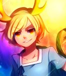 1girl abstract_background bangs blonde_hair blue_shirt collarbone commentary_request dragon_horns dragon_tail eyebrows_visible_through_hair head_tilt highres horns kicchou_yachie looking_at_viewer multicolored multicolored_background red_eyes shirt short_hair short_sleeves slit_pupils smirk solo speckticuls standing swept_bangs tail teeth touhou tsurime turtle_shell upper_body