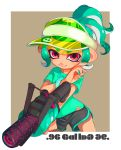 .96_gal_(splatoon) 1girl absurdres artist_name black_shirt bracelet brown_background closed_mouth commentary cowboy_shot english_text foreshortening green_hair green_shirt gym_shorts highres holding holding_weapon jewelry logo looking_at_viewer makeup mascara octoling otoboke-san outside_border pointy_ears red_eyes shirt short_hair short_ponytail short_sleeves shorts signature smile solo splatoon_(series) splatoon_2 standing t-shirt tan tentacle_hair transparent visor_cap weapon