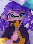 1girl bangs blunt_bangs blurry closed_mouth commentary domino_mask drawstring green_eyes green_umbrella grey_sky holding holding_umbrella inkling looking_at_viewer mask medium_hair outdoors pointy_ears purple_hair riku_(ururi7610) smile snow solo splatoon_(series) splatoon_2 symbol_commentary tentacle_hair twintails umbrella yellow_coat