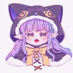 1girl animal_ears animal_hood bell black_capelet blush bow brown_eyes capelet cat_ears cat_hood commentary_request fake_animal_ears fang fur-trimmed_capelet fur-trimmed_hood fur_trim grey_background hikawa_kyoka hood hood_up hooded_capelet jingle_bell long_hair looking_at_viewer open_mouth pointy_ears princess_connect! princess_connect!_re:dive purple_hair signature simple_background solo trick_or_treat twintails yellow_bow yi_lian