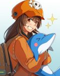 >_< 1girl anchor_symbol animal backpack bag bangs blush brown_hair clenched_teeth commentary_request dolphin eyebrows_visible_through_hair guilty_gear guilty_gear_2020 highres holding holding_animal long_hair long_sleeves looking_at_viewer may_(guilty_gear) orange_eyes orange_headwear skull_and_crossbones smile solo sparkle teeth tsuki_mawari_randolph
