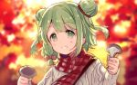1girl aran_sweater autumn_leaves bangs blurry blurry_background blush_stickers bow braid commentary_request depth_of_field double_bun eyebrows_visible_through_hair green_eyes green_hair grin hair_bow holding meito_(maze) morinaka_kazaki mushroom nijisanji red_bow red_scarf scarf side_braid smile solo sweater upper_body virtual_youtuber white_sweater