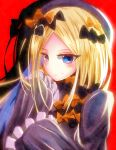 1girl abigail_williams_(fate/grand_order) bangs black_bow blonde_hair blue_eyes bow closed_mouth fate/grand_order fate_(series) floating_hair frilled_sleeves frills hair_bow highres long_hair multiple_hair_bows orange_bow parted_bangs red_background shadow sleeves_past_fingers sleeves_past_wrists solo toratora789 upper_body