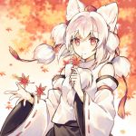 1girl animal_ears closed_mouth detached_sleeves eyebrows_visible_through_hair hat inubashiri_momiji leaf looking_at_viewer raka_(cafe_latte_l) red_eyes red_headwear short_hair smile solo tokin_hat touhou white_hair wide_sleeves wolf_ears