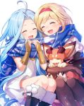 2girls ahoge blonde_hair blue_hair djeeta_(granblue_fantasy) dress fur_trim gloves granblue_fantasy headband kingyo_114 long_hair lyria_(granblue_fantasy) multiple_girls scarf shared_scarf short_hair sitting smile vee_(granblue_fantasy) white_background white_dress