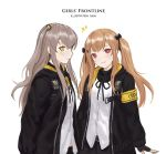 2girls artist_name black_jacket bow brown_hair girls_frontline grey_hair hair_bow hair_ornament hair_ribbon jacket long_hair looking_at_viewer multiple_girls red_eyes ribbon scar scar_across_eye scarf shirt siun smile speech_bubble ump45_(girls_frontline) ump9_(girls_frontline) white_background white_shirt yellow_eyes
