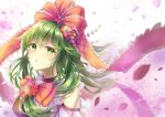 1girl alternate_costume bangs blurry blurry_background bow commentary_request flower front_ponytail green_eyes green_hair hair_flower hair_ornament hair_ribbon head_tilt highres kagiyama_hina lavender_dress long_hair looking_at_viewer parted_lips peach_blossom petals raglan_sleeves red_bow ribbon solo sparkle standing totomiya touhou upper_body wind wind_lift