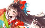 1girl bow brown_hair fan fate/grand_order fate_(series) hair_bow hair_ornament hairclip highres japanese_clothes kimono layered_clothing layered_kimono long_hair multiple_hair_bows nasubi_(1ra1ri1ko2cho1mi2na) playing_with_own_hair sei_shounagon_(fate) white_background