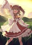 1girl arm_up ascot bow brown_hair fairy_wings fang grass green_eyes hair_bow highres legs_apart long_sleeves looking_at_viewer open_mouth outdoors red_bow red_skirt shirt skirt smile solo standing sunny_milk sunset touhou transparent_wings two_side_up waving white_bow white_shirt wide_sleeves wings yamamomo_(plank) yellow_neckwear yellow_sky