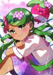 1girl absurdres alternate_costume bangs blush bounsweet commentary_request dark_skin eyebrows_visible_through_hair fingernails flower gen_7_pokemon green_eyes green_hair hair_flower hair_ornament hair_tie highres long_hair looking_at_viewer looking_to_the_side mao_(pokemon) pokemon pokemon_(anime) pokemon_(creature) pokemon_sm_(anime) rain shiny shiny_hair smile swept_bangs taisa_(lovemokunae) tied_hair twintails water wet