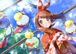 1girl :o absurdres alternate_color bangs blue_eyes blush brown_hair chimecho clouds commentary_request day eyelashes floating_hair gen_3_pokemon hairband haruka_(pokemon) highres japanese_clothes kimono long_sleeves making-of_available open_mouth outdoors pokemon pokemon_(creature) pokemon_(game) pokemon_oras pon_yui red_hairband red_kimono shiny shiny_hair shiny_pokemon sky sparkle wide_sleeves yukata