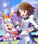 1girl bakumon26 bangs blurry blurry_background bob_cut brown_eyes brown_hair clenched_hand clouds collared_shirt commentary_request confetti day dynamax_band eyebrows_visible_through_hair eyelashes gen_8_pokemon gloria_(pokemon) gloves hand_up highres navel number open_mouth outline poke_ball poke_ball_(basic) pokemon pokemon_(creature) pokemon_(game) pokemon_swsh scorbunny shirt short_hair shorts side_slit side_slit_shorts single_glove sky smile stadium sun teeth tongue