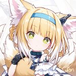 1girl animal_ears arknights bangs bare_shoulders blonde_hair blue_hairband braid chinese_commentary commentary_request eyebrows_visible_through_hair fox_ears fox_tail green_eyes hairband head_tilt holding_own_tail kurisu_tina looking_at_viewer multicolored_hair multiple_tails oripathy_lesion_(arknights) short_hair short_sleeves solo suzuran_(arknights) tail upper_body white_hair zoom_layer
