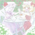cake flandre_scarlet food hat lowres oisin pastry red_eyes remilia_scarlet siblings sisters touhou wings