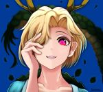 1girl arm_up artist_name bangs blonde_hair blue_background blue_shirt collarbone dragon_horns dragon_tail grin hair_over_one_eye hand_in_hair hand_on_own_face horns kicchou_yachie parted_bangs red_eyes scales shirt short_hair simple_background smile solo tail teeth torinosuke touhou turtle_shell upper_body