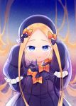 1girl abigail_williams_(fate/grand_order) absurdres bangs black_bow black_dress black_headwear blonde_hair blue_eyes blush bow closed_mouth commentary_request dress fate/grand_order fate_(series) forehead hair_bow hands_up hat highres kiri_sakura long_hair long_sleeves looking_at_viewer orange_bow parted_bangs polka_dot polka_dot_bow sleeves_past_fingers sleeves_past_wrists smile solo starry_background upper_body very_long_hair