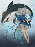 1girl animal_hood barefoot bloop_(gawr_gura) blue_eyes blue_hair bubble can fish_tail gawr_gura hair_ornament highres holding holding_weapon hololive hololive_english hood multicolored_hair polearm shark shark_hair_ornament shark_hood shark_tail sharp_teeth short_twintails smile tail teeth trident twintails two-tone_hair underwater virtual_youtuber weapon white_hair zawaty
