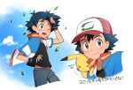 >_< 1boy ame_(ame025) ash_ketchum bangs baseball_cap black_gloves black_hair black_shirt brown_eyes closed_mouth clouds collared_jacket commentary_request day fingerless_gloves flying_sweatdrops gen_1_pokemon gloves hat jacket leaves_in_wind looking_at_viewer male_focus multiple_views one_eye_closed open_clothes open_jacket open_mouth outdoors pants pikachu pokemon pokemon_(anime) pokemon_(creature) pokemon_m21 popped_collar red_headwear shirt short_hair sky smile tongue translation_request upper_teeth