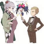 >_< 1boy 2girls :d alcohol alternate_hairstyle bangs black_bow black_collar blonde_hair blush_stickers bow bowtie brown_jacket brown_pants collar collared_shirt cropped_legs cup danganronpa_(series) danganronpa_10th_anniversary_costume danganronpa_2:_goodbye_despair fake_horns flower glasses green_bow green_kimono grey_hair hair_bow hair_flower hair_ornament highres holding holding_cup horns jacket japanese_clothes kimono kuzuryuu_fuyuhiko long_hair mioda_ibuki multicolored_hair multiple_girls official_alternate_costume omochi_ksw open_mouth pants pekoyama_peko pink_bow pink_kimono plaid plaid_jacket plaid_pants ponytail red_eyes red_flower shirt short_hair simple_background smile spiked_collar spikes translation_request very_short_hair white_background wide_sleeves