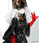 1girl closed_mouth dated elbow_gloves fur_hat fur_trim gloves green_eyes hair_between_eyes hand_on_wall hat long_sleeves looking_at_viewer original painterly red_gloves signature sketch solo uroko_(mnr) wide_sleeves winter_clothes