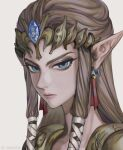 1girl bibabunie blue_eyes brown_hair closed_mouth diadem earrings english_commentary grey_background hair_ribbon highres jewelry lips long_hair looking_at_viewer pointy_ears princess_zelda ribbon sidelocks simple_background solo the_legend_of_zelda the_legend_of_zelda:_twilight_princess tiara twitter_username upper_body