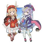 2girls ahoge backpack bag bangs bead_necklace beads blonde_hair boots braid brown_footwear clover dress feathers four-leaf_clover genshin_impact gloves hair_ornament hat hat_feather highres jennygin2 jewelry klee_(genshin_impact) long_hair long_sleeves low_twintails multiple_girls necklace ofuda open_mouth pink_eyes pointy_ears pom_pom_(clothes) purple_hair purple_headwear qing_guanmao qiqi_(genshin_impact) red_eyes red_headwear simple_background single_braid standing tassel thigh-highs twintails white_background