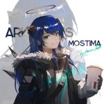 1girl arknights artist_name bangs black_gloves black_jacket blue_eyes blue_hair character_name commentary_request copyright_name cup demon_horns demon_wings detached_wings disposable_cup eyebrows_visible_through_hair fur-trimmed_jacket fur_trim gloves grin hair_between_eyes halo holding holding_cup horns jacket long_hair long_sleeves looking_at_viewer mostima_(arknights) shirt smile snap-fit_buckle solo tianye_toshi upper_body white_shirt wings