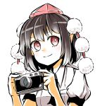 1girl bangs black_hair camera closed_mouth hat highres holding holding_camera looking_at_viewer peroponesosu. pointy_ears pom_pom_(clothes) puffy_short_sleeves puffy_sleeves red_eyes red_headwear shameimaru_aya shirt short_hair short_sleeves simple_background smile solo tokin_hat touhou upper_body white_background white_shirt
