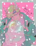 1boy battle_tendency birthday blonde_hair bubble caesar_anthonio_zeppeli closed_mouth commentary dated eyebrows_visible_through_hair facial_mark feathers fingerless_gloves gloves green_eyes green_gloves green_jacket hair_feathers happy_birthday headband highres index_finger_raised jacket jojo_no_kimyou_na_bouken jukuta_tsu looking_at_viewer male_focus notice_lines one_eye_closed pink_scarf scarf shirt short_hair smile solo symbol_commentary translation_request upper_body