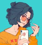 1girl aqua_background bangs black_hair commentary elliemaplefox hands_up highres holding holding_phone looking_at_viewer original parted_bangs parted_lips phone shirt short_hair simple_background smile solo symbol_commentary tinted_eyewear yellow_shirt