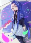1girl absurdres bangs blunt_bangs braid capelet commentary_request feet_out_of_frame graffiti highres hood hood_up hooded_capelet kaf_(kamitsubaki_studio) kamitsubaki_studio light_blush light_smile long_sleeves looking_at_viewer medium_hair multicolored multicolored_eyes pantyhose pink_hair sidelocks solo standing tanshio twin_braids virtual_youtuber wall yellow_pupils zipper