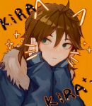 1boy :t absurdres blue_jacket brown_hair chinese_commentary closed_mouth eyebrows_behind_hair fur-trimmed_jacket fur_trim green_eyes hands_on_own_cheeks hands_on_own_face highres isoi_reiji jacket long_sleeves orange_background saibou_kamikyou solo sparkle yikousuuu