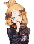 1girl abigail_williams_(fate) absurdres bandaid bandaid_on_forehead bangs black_bow black_jacket blonde_hair blue_eyes bow crossed_bandaids fate/grand_order fate_(series) hair_bow hair_bun head_tilt heroic_spirit_traveling_outfit high_collar highres jacket long_hair multiple_bows orange_belt orange_bow parted_bangs signature simple_background sofra solo twitter_username white_background